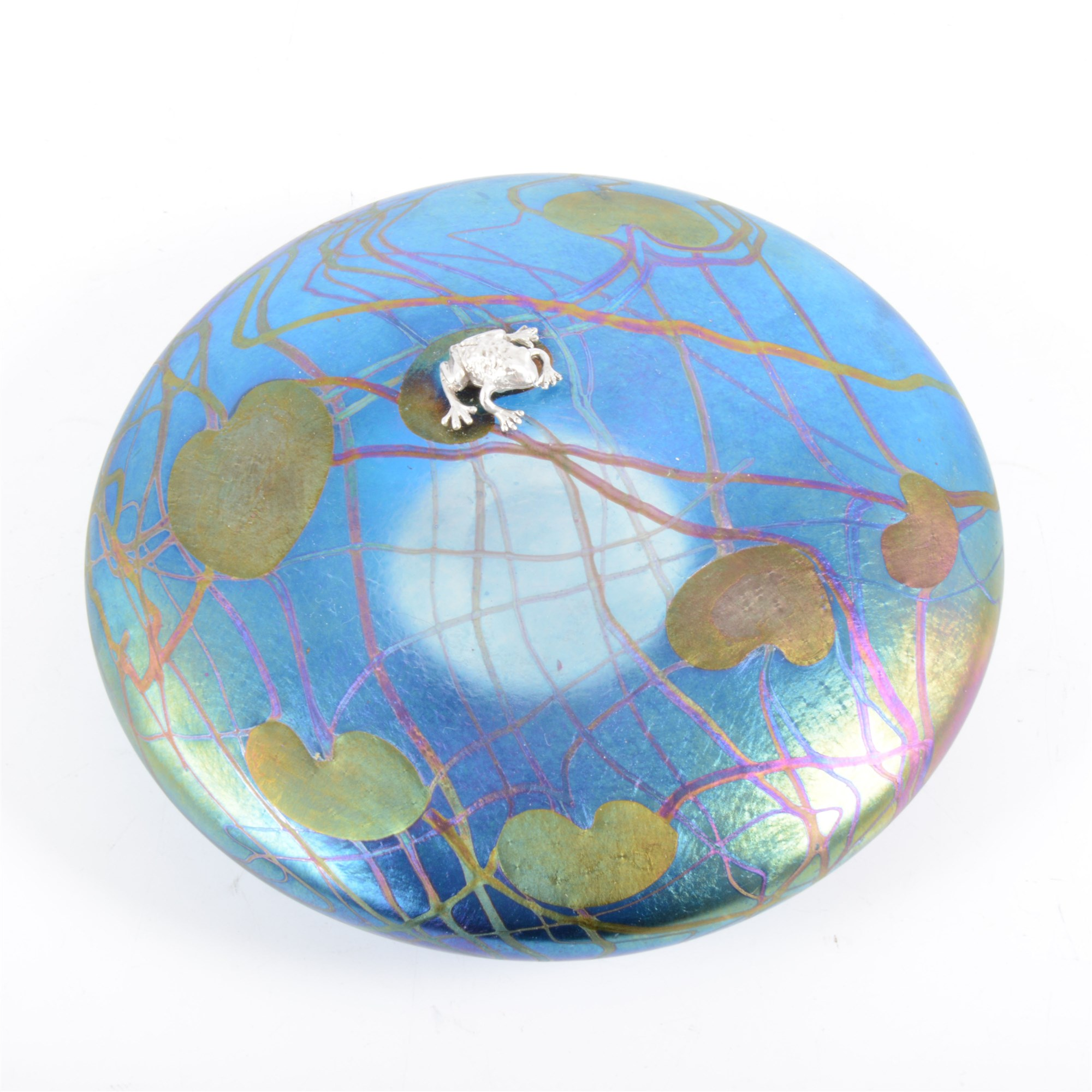 John Ditchfield Glasform lily pad paperweight