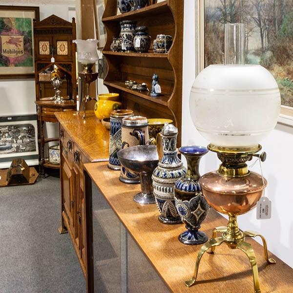 Antiques & Collectors