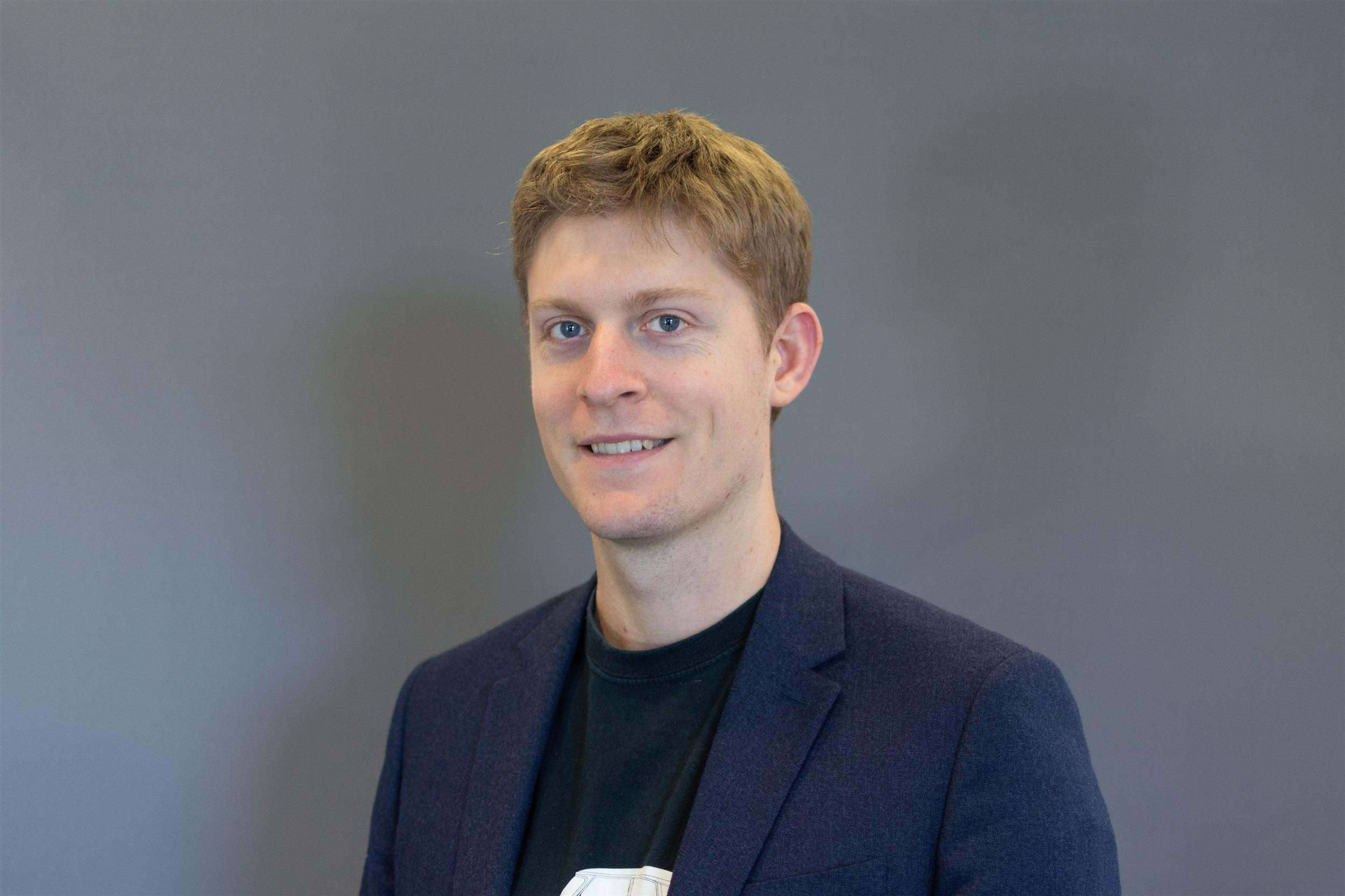 Andrew Smith, Specialist