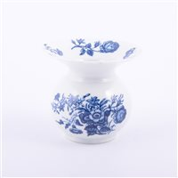 Lot 1 - First Period Worcester porcelain blue and...
