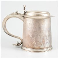 Lot 84-James II silver tankard, maker's mark three pelicans in a shield (?), London 1685, with replaced lid