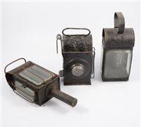 Lot 136-Ten Second World War railway signal lamps