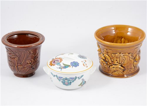 Lot 42-A pair of Royal Worcester Evesham pattern dishes, Royal Worcester Palmyra tureen, Portmeirion dishes and other ceramics [3 boxes[