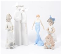 Lot 20-A quantity of Lladro<,  Nao and Doulton figures
