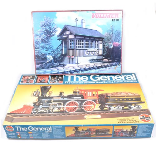 Lot 9-The General 4-4-0 American Standard wood-burning steam locomotive kit by Airfix