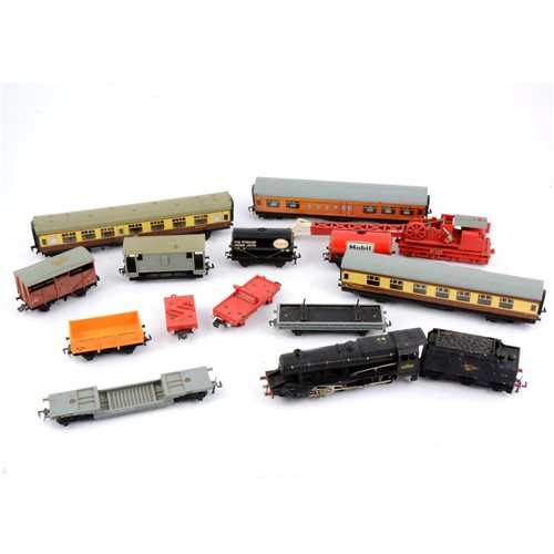 Lot 4-Hornby Dublo OO gauge railways, including 2 rail class 8F team locomotive no.48109 with tender