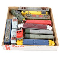 Lot 16-OO gauge railways locomotives, including Tri-ang R351 electric 'Electra' engine