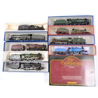 Lot 18-OO gauge railway locomotives