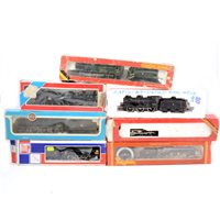 Lot 30-OO gauge railway locomotives, including Hornby R264 BR class 9F 2-10-0, and others.