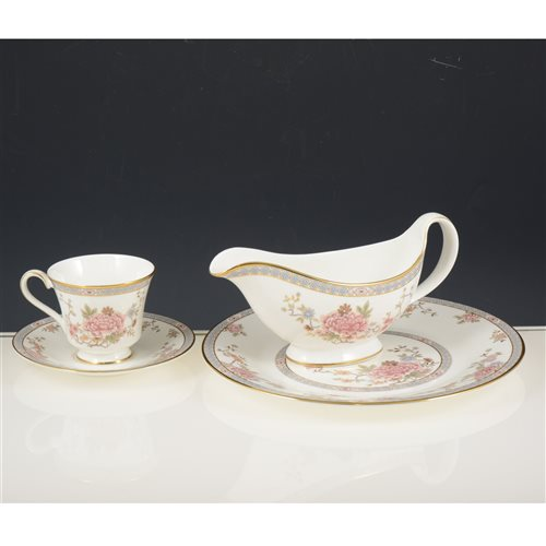 Lot 50-Royal Doulton 'Canton' pattern dinner service.