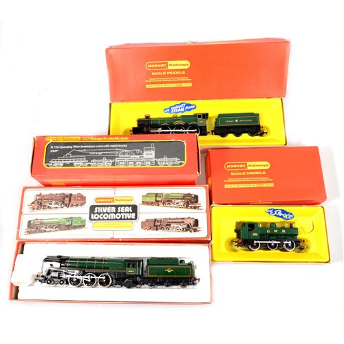 Lot 13-A good quantity of Hornby and Tri-ang OO gauge railways