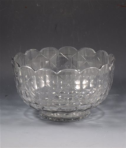 Lot 58 - Regency facet cut glass basin, lobed rim, diameter 26cm.