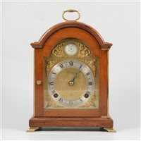 Lot 77-Elliott mahogany cased bracket clock. gilt dial signed Beards of Cheltenham, movement striking on a bell, 25cm.