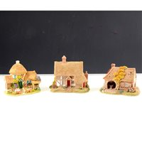 Lot 68-A large quantity of Lilliput Lane cottages, pubs, castles etc., all boxed