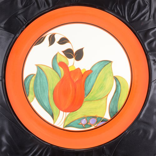 Lot 52-A limited edition Wedgwood Clarice Cliff 'Red Tulip' plate, 1000/1999.