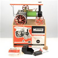 Lot 50-Mamod live steam traction showmans engine, TE1 with original box and booklet.