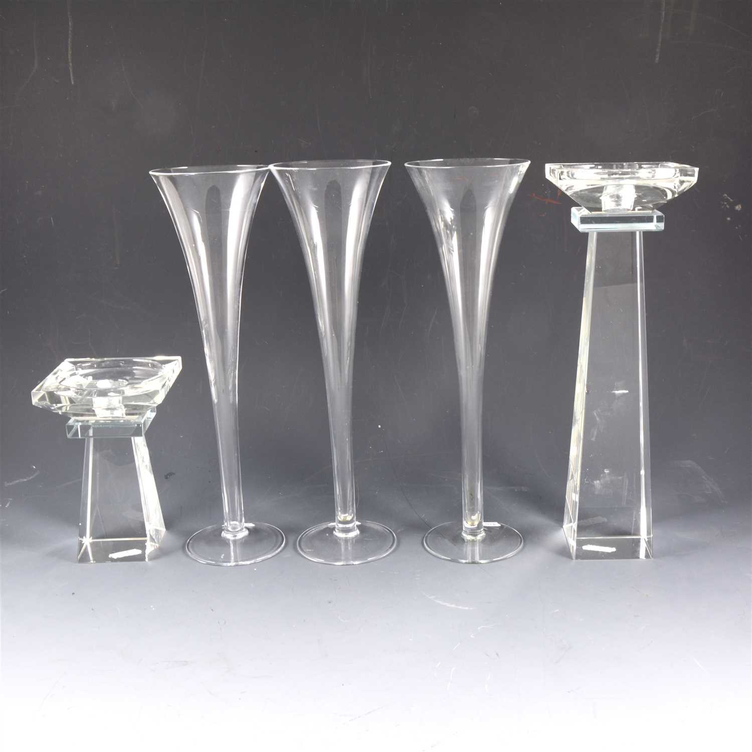 Lot 58-Eight glass trumpet-shaped flutes, ...