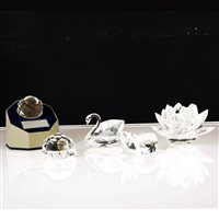 Lot 63-Eighteen pieces of Swarovski crystal