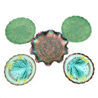 Lot 14A-A pair of majolica leaf and basket weave plates, 16.5cm diameter with scalloped border, a pair of 18cm green leaf plates depicting the rose, thistle and shamrock leaf,  a carnival glass dish wit fl...
