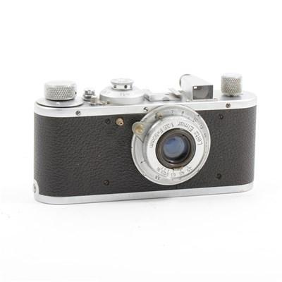 76 - A Leica Standard model E camera, circa 1937, with Leitz Elmar 1:35 F/50mm lens