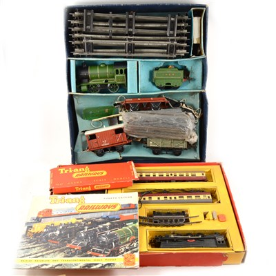 Lot 45-Hornby O gauge model railways, 601 Goods Set and OO gauge R3A