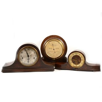 Lot 200-Oak cased mantel clock, silvered dial, ...