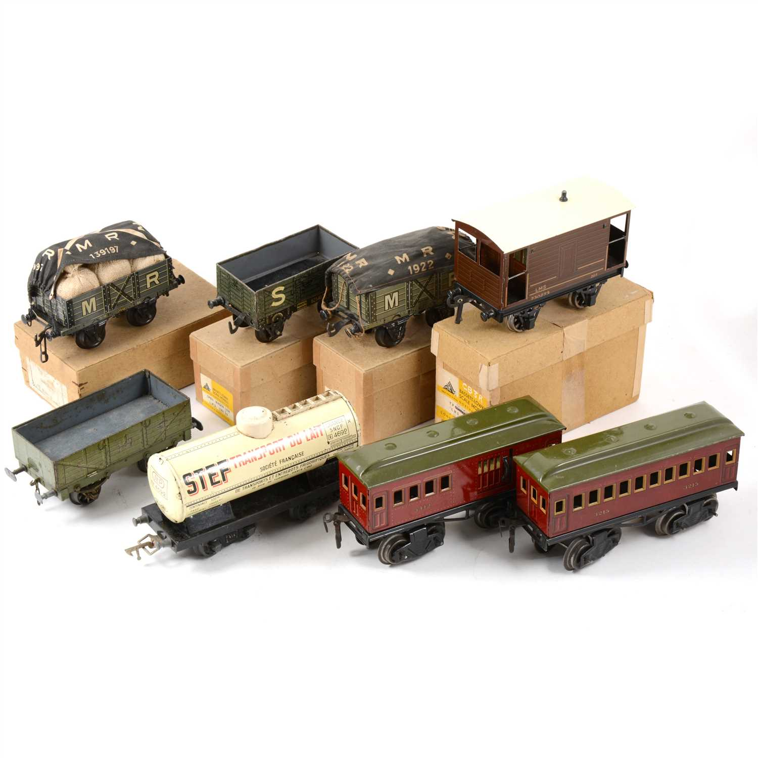 Lot 41-O gauge model railway wagons and coaches; including Bassett-Lowke, Jep, Kraus Fandor etc.