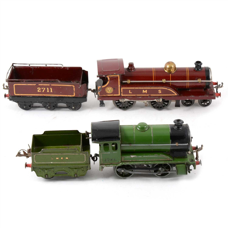 Lot 38-Two Hornby O gauge railway locomotives, LMS 2711 and LNER 1842