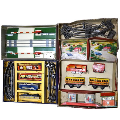 Lot 25-O gauge and OO gauge railways sets; including Hornby and Brimtoys, (6).