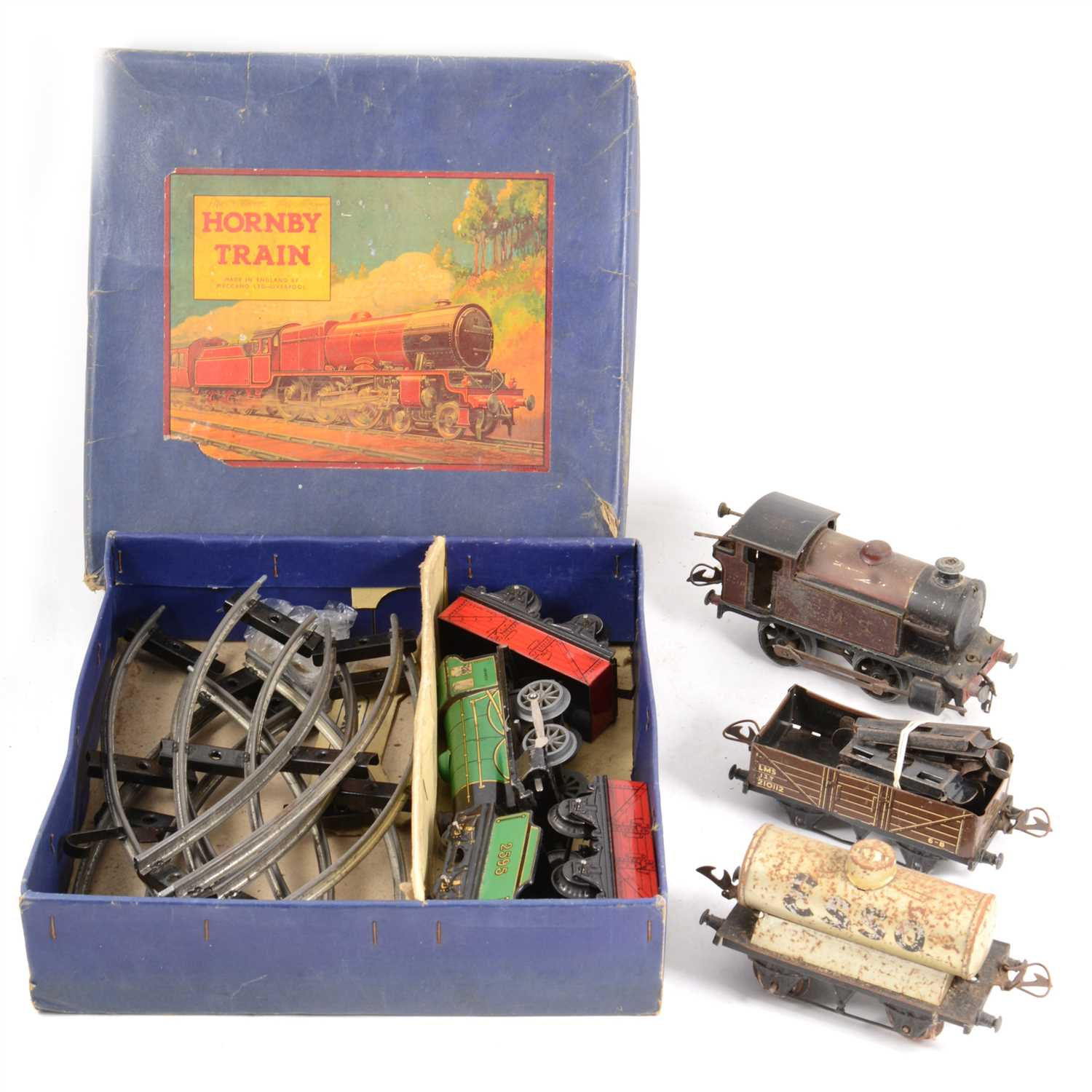 Lot 44-Hornby O gauge railways; MO Good set boxed, etc.