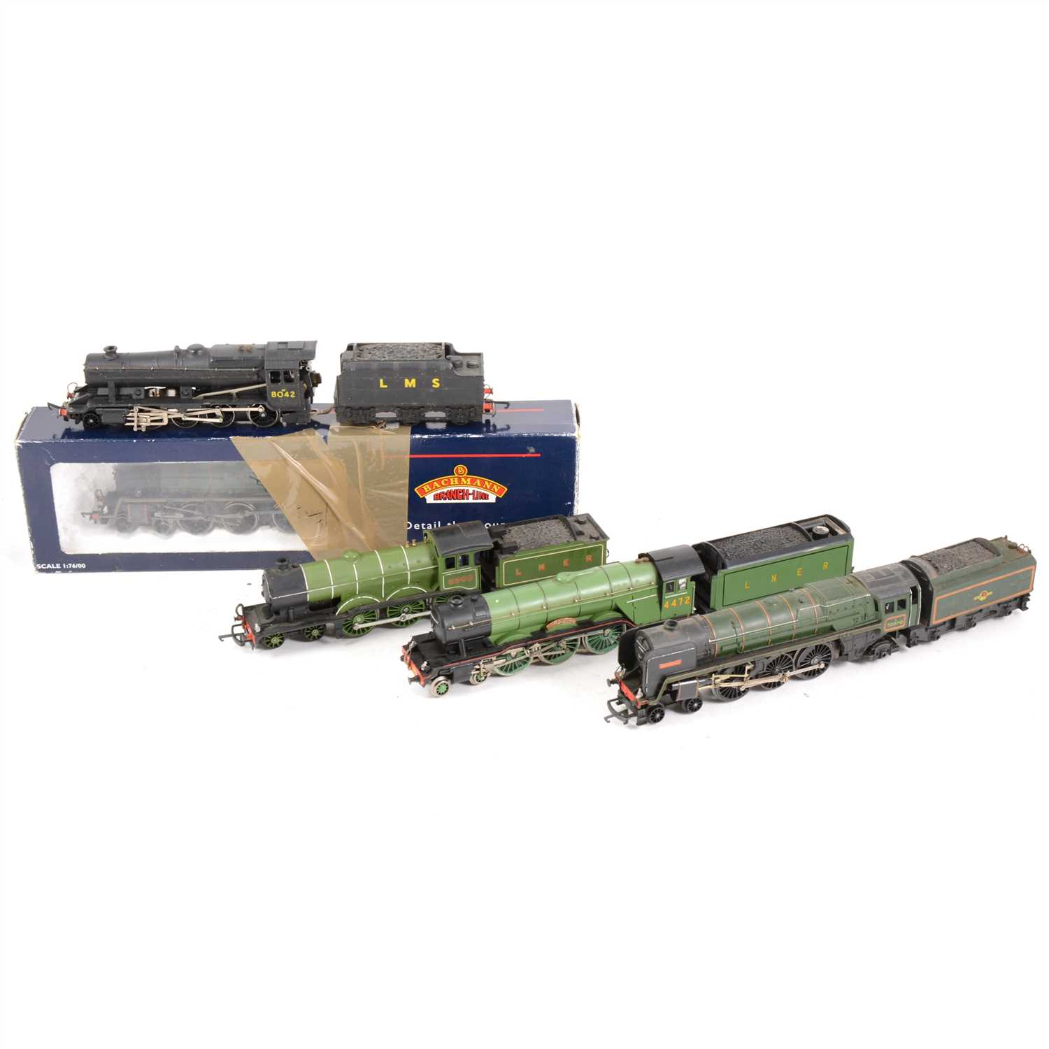 Lot 8-OO gauge model railway locomotives; including Bachmann 31-106A standard 4MT 75003 with tender boxed, and others.