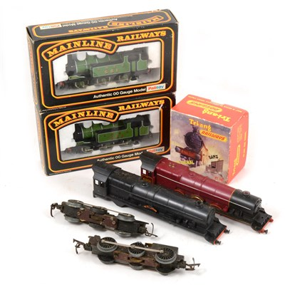 Lot 17-OO gauge model railways; a collection of locomotives and accessories, one box.