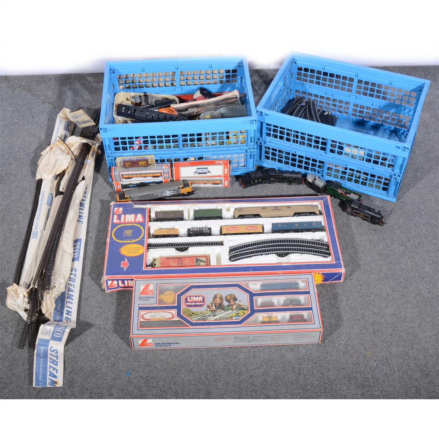 Lot 26-OO gauge and N gauge model railways; a collection of sets, locomotives, passenger coaches etc.