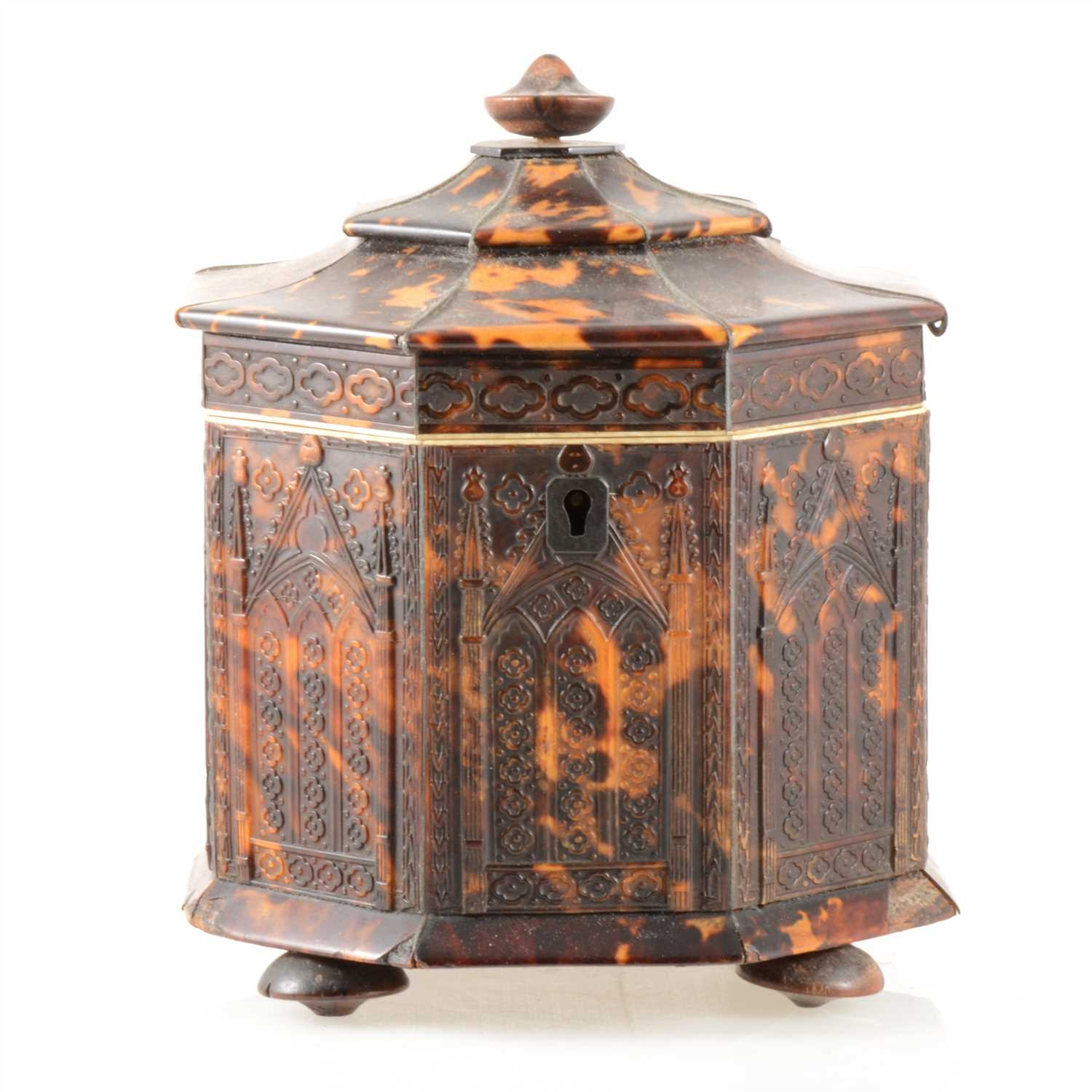 84 - A William IV tortoiseshell octagonal shape tea caddy