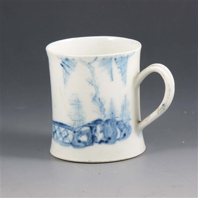 Lot 14-A small English blue and white porcelain mug, probably Lowestoft