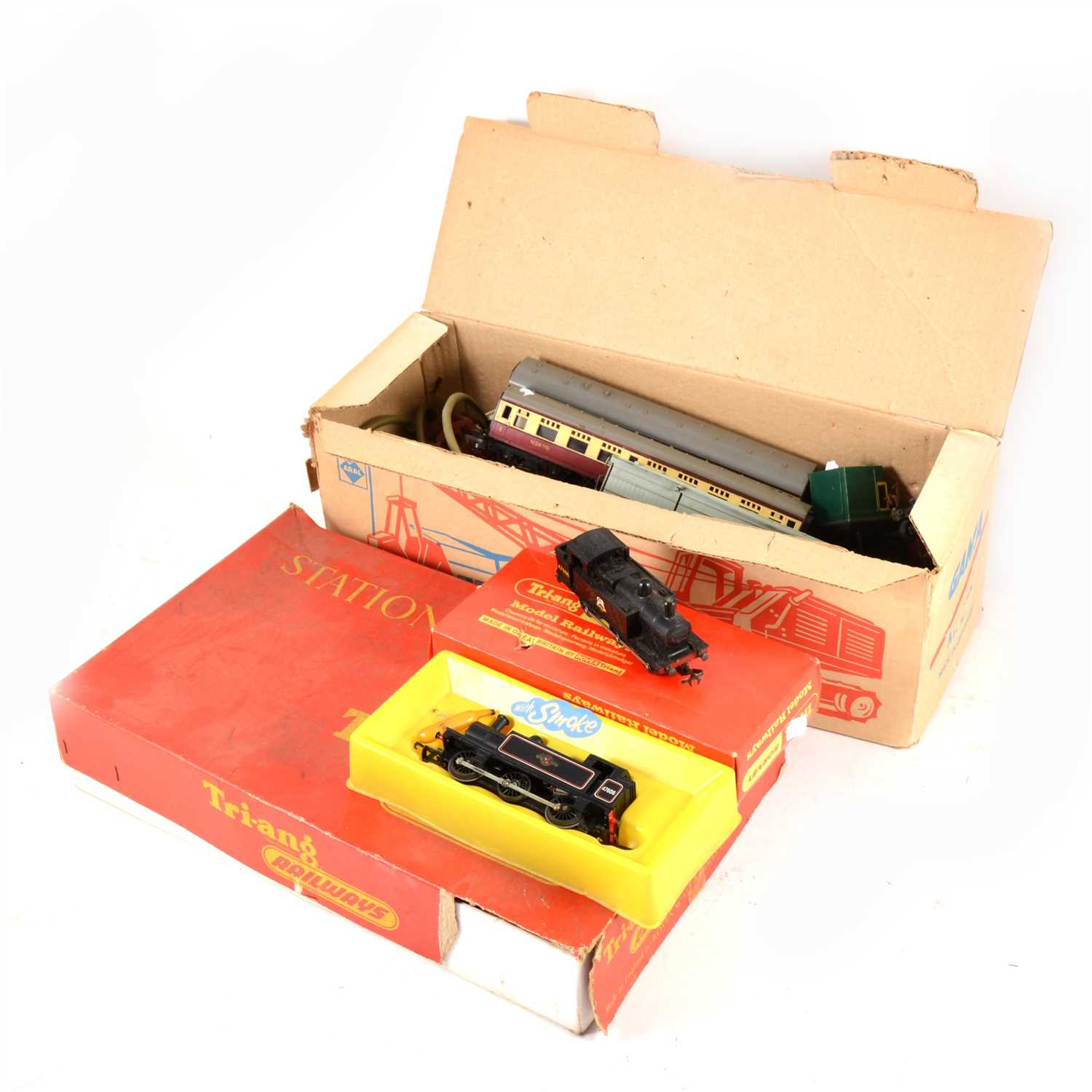 Lot 45-Tri-ang OO gauge railway, and an empty box for a Gama crane truck.