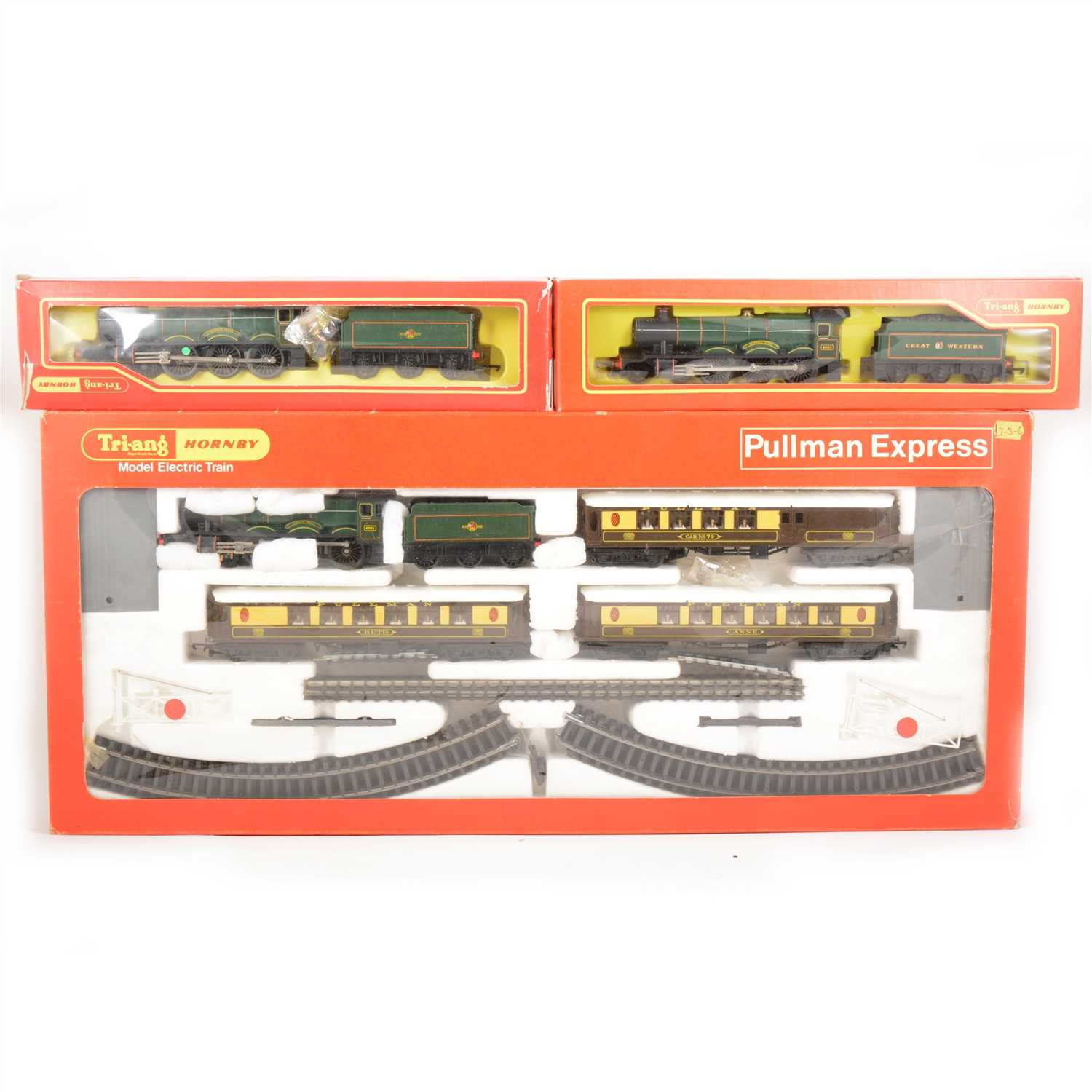 Lot 28-Hornby / Tri-ang OO gauge model railways RS90 set; Pullman Express and two Hall class locomotives.
