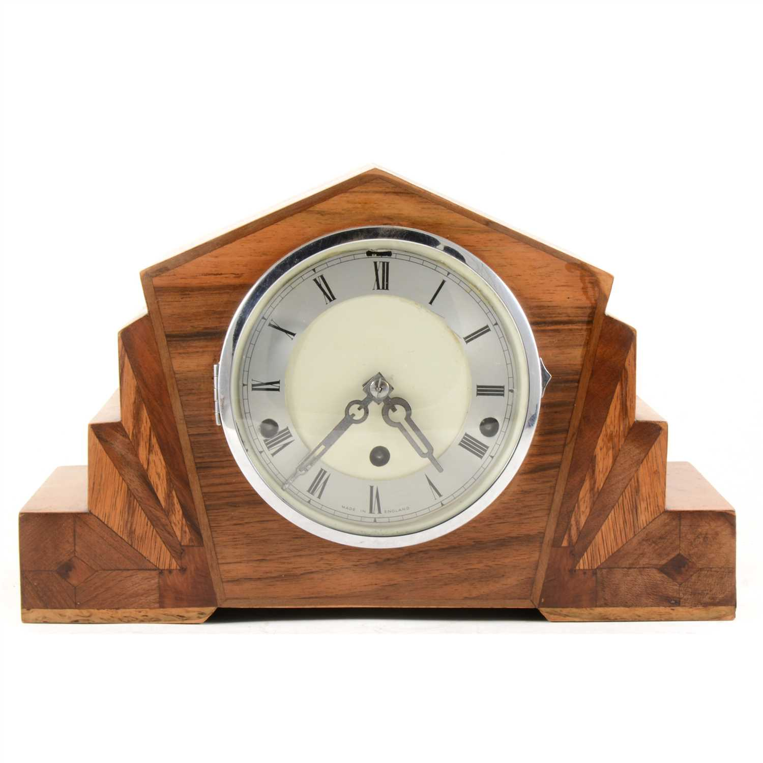 Lot 139 An Art Deco Style Mantel Clock And A Small