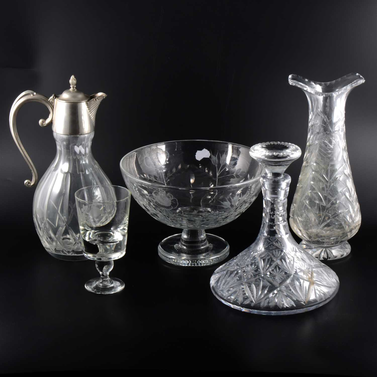 Lot 12-A quantity of modern crystal glassware including decanters and a centre bowl.