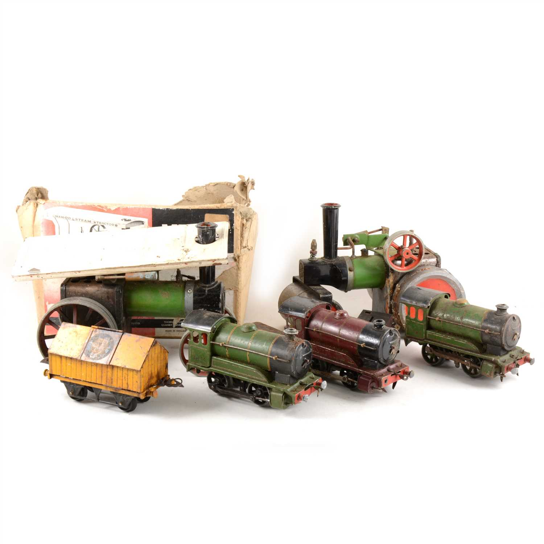 Lot 6-Two Mamod steam engines, and three Hornby  O gauge clockwork locomotives.