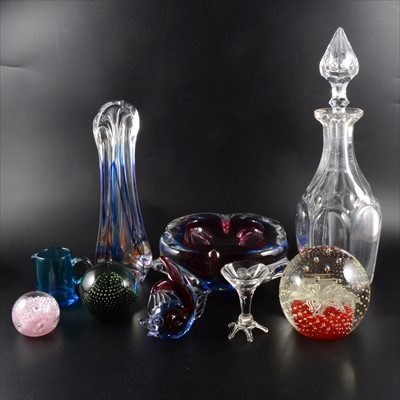 Lot 29-A collection of glassware, including Holmegaard paperweight