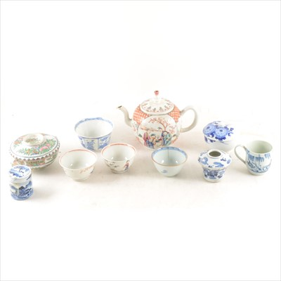 Lot 44-A Chinese Export porcelain teapot, painted with Mandarin figure, and a collection of Oriental porcelain