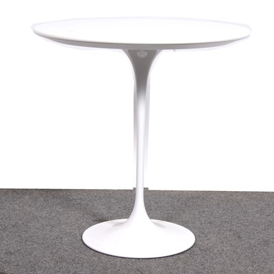 Lot 14-A 'Tulip' occassional table, designed by Eero Sarinen, produced by Knoll