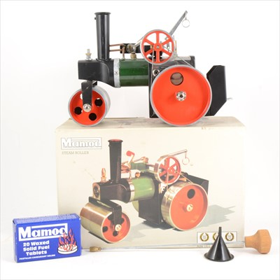 Lot 28-Mamod live steam; SR1a steam roller engine, boxed