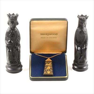 Lot 15A-Arnold Machin for Wedgwood, King and Queen chess pieces, and a Wedgwood pendant.