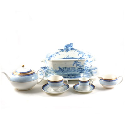 Lot 25-A Fawsley Hall blue and white tureen on stand, and Wedgwood Valencia pattern tea and coffee ware