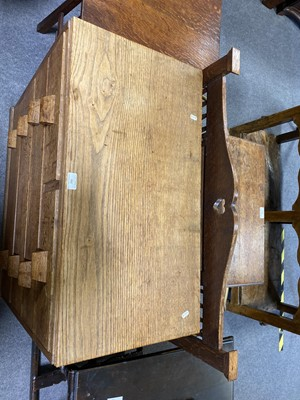 Lot 532-A small Arts and Crafts oak chest of drawers
