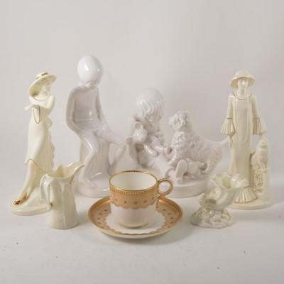 Lot 1025-A collection of decorative ceramics, including Worcester, Spode, and Coalport.