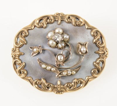 Lot 67-A Victorian mourning brooch.