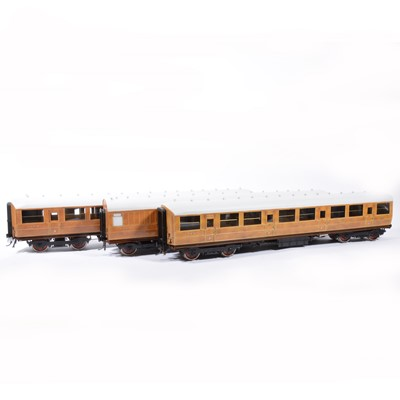 Lot 72-The Finescale Locomotive Company passenger coaches, gauge 1 / G scale, 45mm, rake of three LNER 'Teak' no.441 (x2), no.2151, (3).